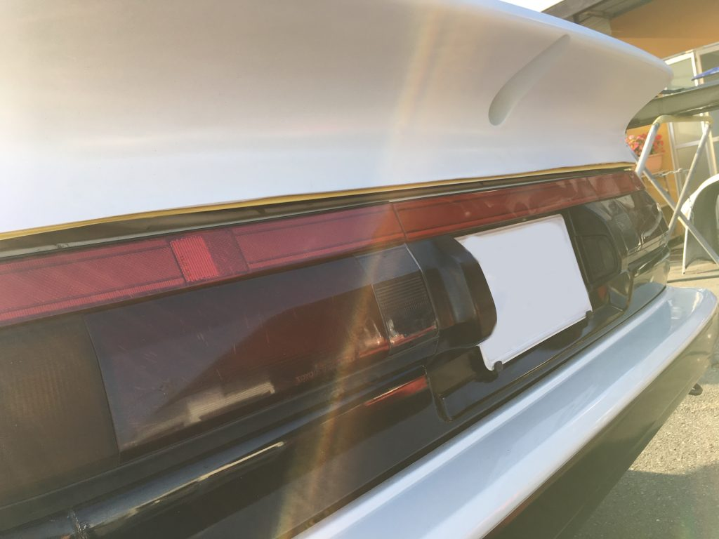 トヨタ トレノ リヤウイング修理