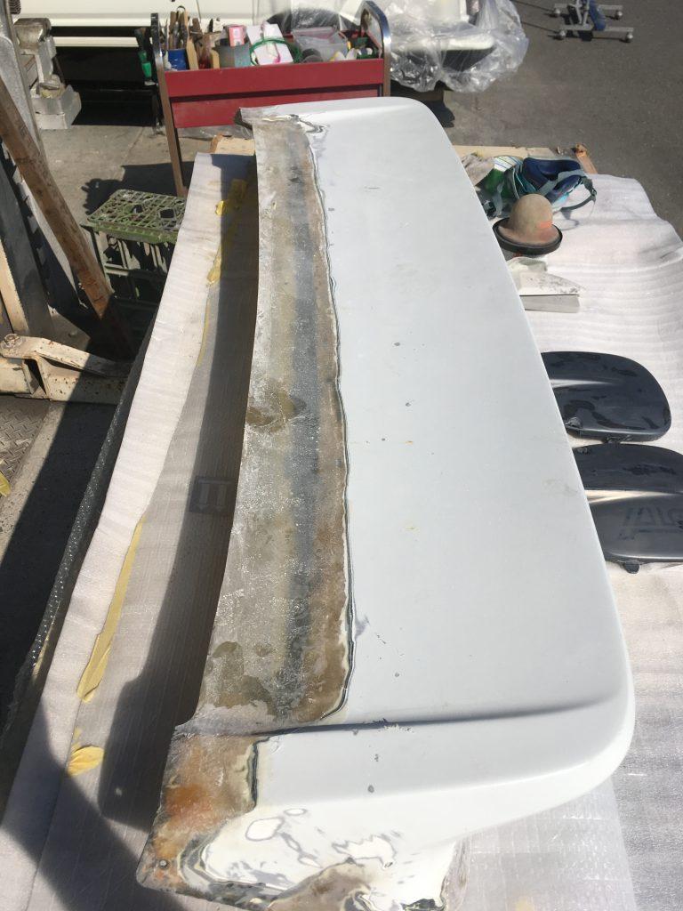 86トレノ リヤウイング修理