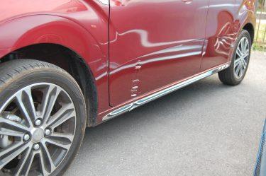 ダイハツ:キャスト 左ドア損傷板金修理