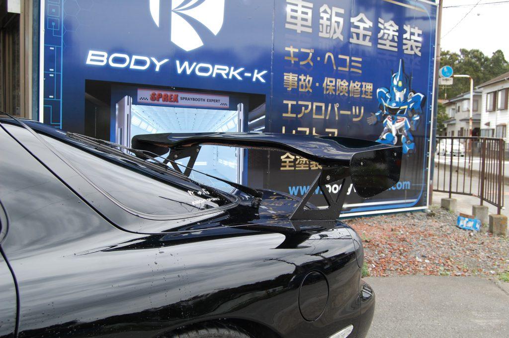 RX-7 リヤウイング塗装取付