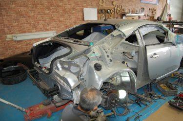 トヨタ:86 側面損傷板金修理 クオーターパネル交換