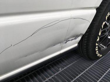 トヨタ:ハイエース 左側面板金損傷:板金修理