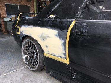 ニッサン:スカイラインGT-R 右側面板金修正